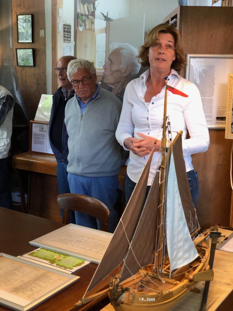 Joyce van Bon opent de bijeenkomst