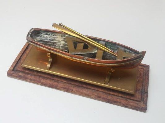 Koperen model roeibootje