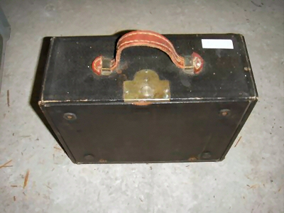Koffertypemachine van Klaas Visser